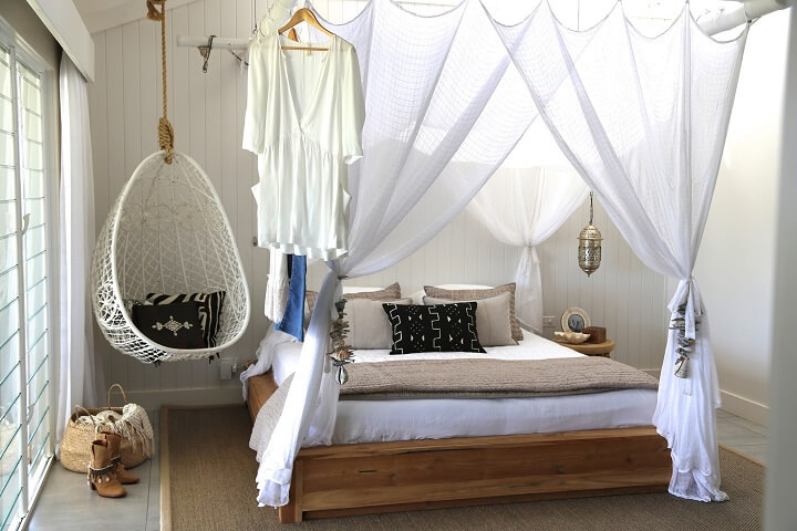 Ideas To Decorate with Hanging Chairs