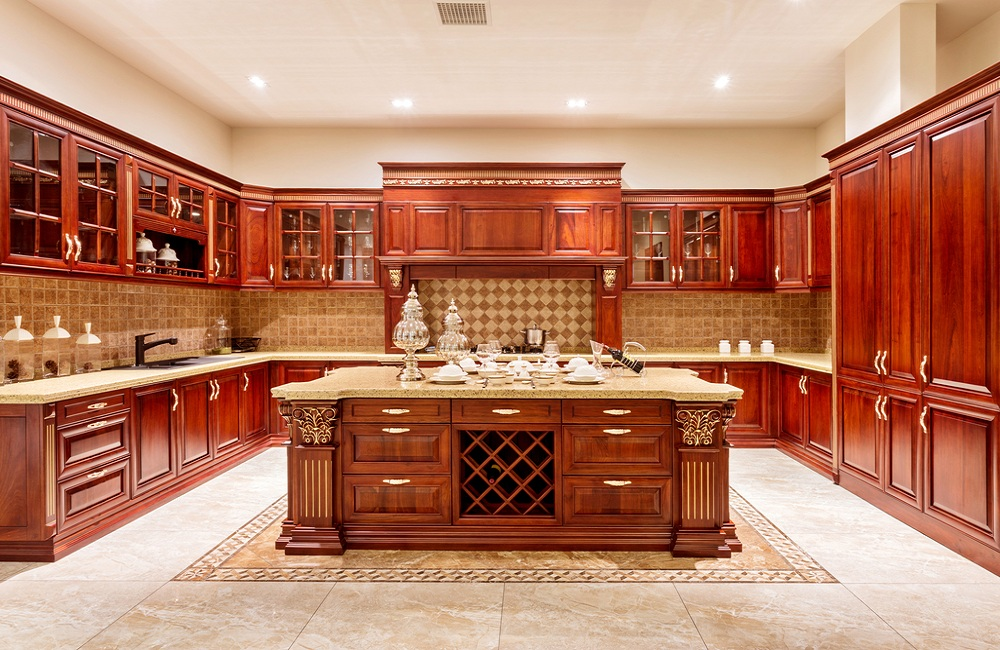 The Many Advantages of Solid Wood Kitchen Cabinets