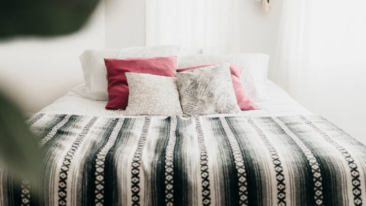 6 decorative tricks to make your bedroom look bigger